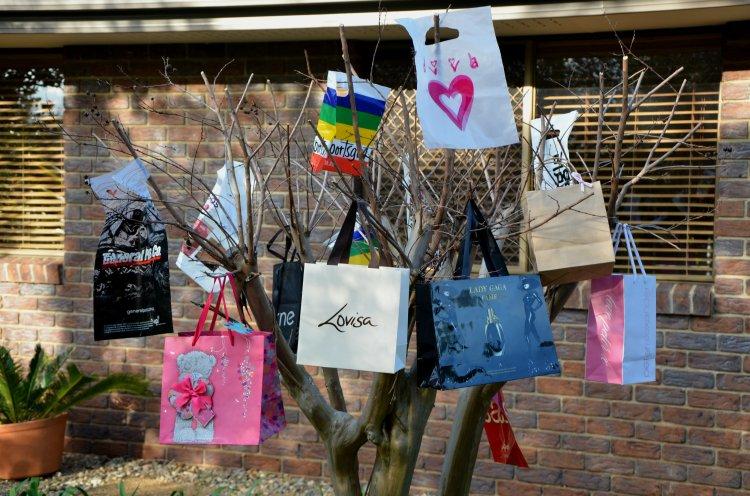 Bag full of love 127